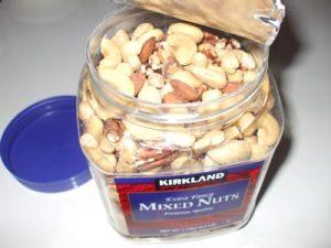 ナッツ食べ過ぎる病 理由・原因・解決策