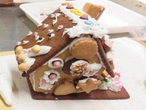 クリスマス お菓子の家 ヘクセンハウス